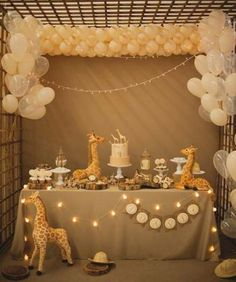 Cute idea for a gender neutral baby shower! Cute idea for a gender neutral baby shower! Deco Baby Shower, Baby Shower Giraffe, Shower Party, Baby Shower Parties, Baby Boy Shower, Baby Shower Gifts, Shower Games, Unisex Baby Shower, Safari Theme Baby Shower