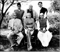 On the sets of L to R (seated): (Mohammed Ali Jinnah), (Mohandas Karamchand Gandhi) and (Pandit Jawaharlal Nehru). Rare Pictures, Historical Pictures, Rare Photos, Vintage Photos, Mahatma Gandhi Photos, Freedom Fighters Of India, 1980s Films, Political Images, History Of India