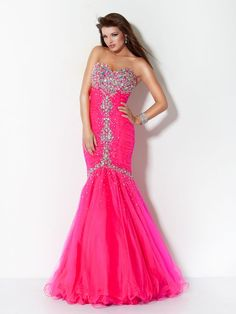 A BESTSELLING prom 2012 dress... and it's back for PROM 2013! Also available in purple, hot orange, lime green, nude and navy!