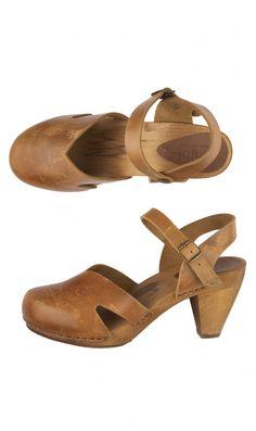 Britta sandals - Plümo Ltd