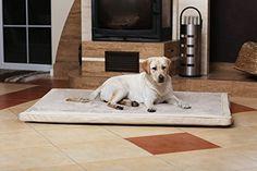 Aus der Kategorie Betten  gibt es, zum Preis von EUR 119,95  <b>Orthopädische Hundematte CARLOS mit Ortho-Medic Memory Foam</b>  <br />  <br /> Unsere Hundematte CARLOS Ortho-Medic mit Memory Foam von tierlando ist die ganz besondere Matte für Ihren Hund.  <br />  <br />  <b>BEZUG (Kunstleder & Velours)</b>  <br /> Bezug aus weichem Velours und anschmiegsamen Kunstleder, in 5 Farben. (braun, graphit, schwarz, bordeaux und creme).  <br /> - wasserabweisend  <br /> - kaum von echtem Leder zu…