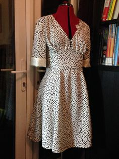 louweezcreates Sew Over It 1940s Tea Dress. Get the pattern here: http://sewoverit.co.uk/product/1940s-tea-dress-sewing-pattern/