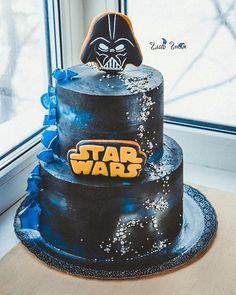 А в далёкой галактике...Полюбилась звёздная тема всем Тортик аж на целых 4,2 кг потянул) На торте все съедобное и никакой мастики!  За прянички огромное спасибо моей любимой мастерице @get_biscuit !  #glavgnom #glavgnom_cake #тортназаказмосква #тортбезмастики #dessert #desserts #food #foods #sweet #sweets #yum #mmm #hungry #dessertporn #cake #foodgasm #foodporn #delicious #foodforfoodies #instafood #yumyum #sweettooth #chocolate #icecream #soyummy #getinmybelly #tagstagrame #beautiful