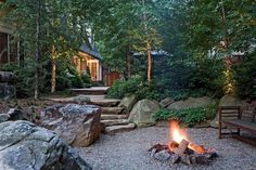 'Naturalistic' use of rock, pebbles, etc. around fire pit; backyard (Surrounds Landscape Architecture and Construction) Fire Pit Party, Diy Fire Pit, Fire Pits, Fire Pit Landscaping, Country Landscaping, Landscaping Ideas, Garden Fire Pit, Fire Pit Backyard, Oasis Backyard