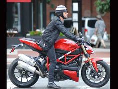 Justin Theroux's Ducati Streetfighter 848 makes 132bhp from just 849cc and offers superbike handling combined with a stripped-back style.