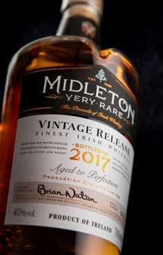 Midleton Very Rare Vintage 2017 Whiskey Label, Whiskey Drinks, Bourbon Whiskey, Scotch Whisky, Brewery Design, Wine Label Design, Beverage Packaging, Bottle Labels, Packaging Design Inspiration