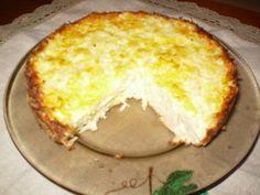 Запеканка капустная 1 средняя головка капусты 2-3 яйца 1 стакан манки (200г) 200 г сметаны 100 г сыра 50 г масла Соль,перец по вкусу
