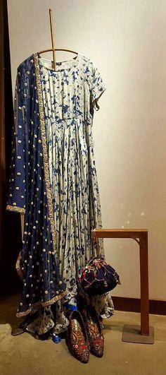 Pakistani Dresses, Indian Dresses, Indian Outfits, India Fashion, Ethnic Fashion, Indian Attire, Indian Wear, Indian Designer Wear, Indian Ethnic