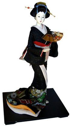 Гейша, танцующая с веером. Японская авторская кукла. Винтаж 1960-е гг.