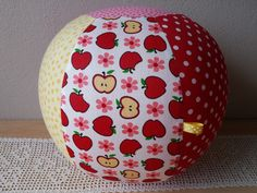 "Luftballonhüllen - Luftballonhülle groß, ""Apfel"" 26cm - ein Designerstück von Lisa-Toews bei DaWanda"