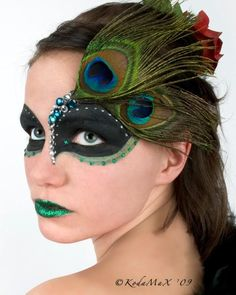 peacock face paint, love!