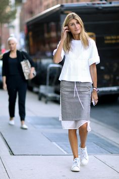 Net-a-Porter's Sarah Rutson.Street style stars sensed jacket weather and answered the call. New York Fashion Week, Spring Fashion Mode, Sport Fashion, Look Fashion, Fashion Outfits, Womens Fashion, Sporty Outfits, Work Outfits, Trendy Fashion, Fashion Ideas