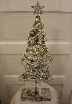 JOYWORKS: Vintage Jewelry Tree