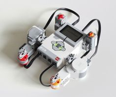 How Do Lego Mindstorms NXT and EV3 Compare?