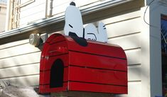 Snoopy letterbox found in New Zealand