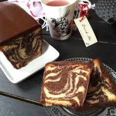 CAKE MARBRE de François Perret - C'est LA recette de marbré qu'il faut avoir en réserve et pour toutes les occasions, aussi bien au petit déjeuner, qu'au gouter. Il est si bon qu'il se déguste sans faim !