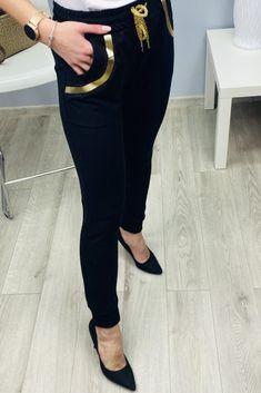 Čierne dámske tepláky elegantné Black Jeans, Suits, Fashion, Outfits, Fashion Styles, Suit, Men's Suits, Fashion Illustrations, Trendy Fashion