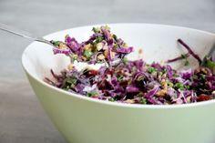Červené zelí je skvělým antioxidantem a tento salát se stane Vaším nejoblíbenějším - to slibuju!
