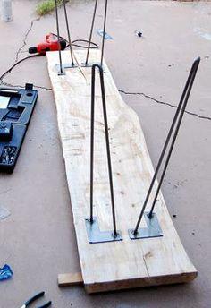 tafeltje van boomschijf met smeedijzeren onderstel eco. Black Bedroom Furniture Sets. Home Design Ideas