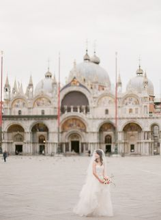 Spectacular photo shooting in St. Marks planned by Exclusive Italy Weddings Wedding Planner, Destination Wedding, Getting Married In Italy, Civil Ceremony, Italy Wedding, Venice, Taj Mahal, This Is Us, Photoshoot