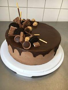 Huhu ihr Lieben, das ist wirklich ein Phänomen. Die spontanen Resteverwertungstörtchen scheinen euch wirklich am Besten zu gefallen :D Au... Cupcake Torte, Cupcakes, Cronut, Ombre Cake, Drip Cakes, Super Torte, Rocket Cake, Lemon Pie Recipe, Best Cake Ever