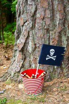 Schatzsuche für eine Piratenparty. Super Thema für einen Jungsgeburtstag. Noch mehr Ideen gibt es auf www.Spaaz.de