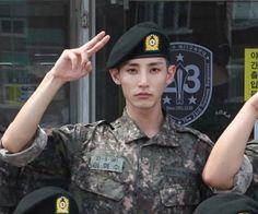 First Photo Of Lee Soo Hyuk In Military Revealed | Soompi