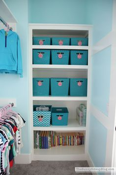 Tips and tricks for closet organization via Sunny Side Up - love these labeled bins!