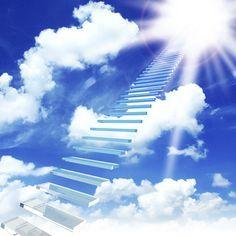 Te enseñamos 7 rápidas invocaciones, para recibir la influencia benéfica de los arcángeles en tu vida diaria. ¡Descubre el Arcángel del día! Where Is Heaven, Angel Clouds, Prophetic Art, Jesus Art, Weird Dreams, Angel Pictures, Stairway To Heaven, Hippie Art, Another World