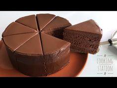 SUPER AMAZING MOIST CHOCOLATE CAKE RECIPE   เค้กช็อกโกแลตหน้านิ่ม สูตรหน้านิ่ม วิธีราดหน้านิ่มง่ายๆ - YouTube Best Sandwich Recipes, Easy Cake Recipes, Brownie Recipes, Sweet Recipes, Baking Recipes, Dessert Recipes, Tea Cakes, Food Cakes, Cupcake Cakes