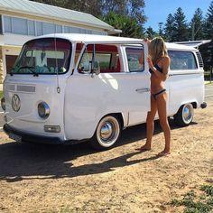 bus bugs and babes : Photo Volkswagen Bus, Volkswagen Transporter, Vw T1, Volkswagen Vehicles, Combi Vw T2, Combi Ww, Bus Camper, Ferdinand Porsche, Kombi Hippie