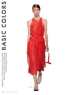Sto leggendo pagina 80 di Elle Italia Speciali - Elle Sfilate P/E 2016
