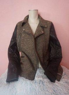 À vendre sur #vintedfrance ! http://www.vinted.fr/mode-femmes/autres-manteaux-and-vestes/29616696-veste-pull-bear-bi-matiere-mi-saison