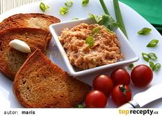 Sýrová pomazánka na topinky a la tatarák recept - TopRecepty.cz Slovak Recipes, Czech Recipes, No Salt Recipes, Snack Recipes, Cooking Recipes, Good Food, Yummy Food, Yummy Appetizers, Food 52