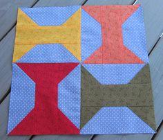 Tilkkureppu: Tammikuun BOM Chez Claire Claire, Quilts, Blanket, Nice, Quilt Sets, Quilt, Rug, Blankets, Log Cabin Quilts