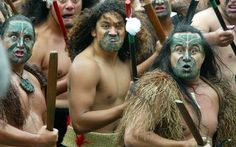 New Zealand People - Maori protesting before parliament over lost treaty rights of the Foreshore and Seabed in NZ. Polynesian People, Polynesian Culture, Once Were Warriors, Ta Moko Tattoo, Birds That Cannot Fly, Maori Tribe, Long White Cloud, Maori People, Maori Art