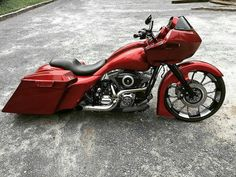 harley davidson road glide vance and hines Harley Bagger, Bagger Motorcycle, Harley Bikes, Motorcycle Garage, Harley Road Glide, Harley Davidson Street Glide, Harley Davidson Breakout Custom, Harley Davidson Motorcycles, Custom Motorcycles