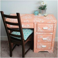 Stenciled Smitten Chalky Finish Desk -- Add style to a dorm room with a fun, fresh desk. #decoartprojects #chalkyfinish