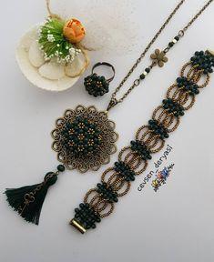 Diy Beaded Bracelets, Peyote Patterns, Bead Jewellery, Handmade Beads, Diy Accessories, Bead Weaving, Like4like, Pendant, Instagram