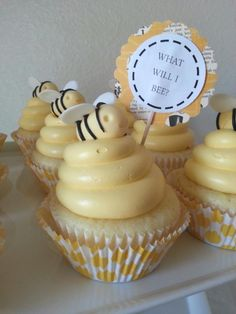 Bumble Bee Gender Reveal Cupcakes