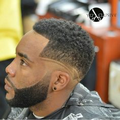 Nice found by Hot Haircuts, Black Men Haircuts, Cool Mens Haircuts, Stylish Haircuts, Beard Cuts, Beard Fade, Hair Designs For Boys, Low Fade Haircut, Mens Hairstyles Fade