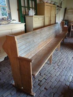 Prachtige grote oude kerkbank | NIEUW BINNEN | goldiebrocante