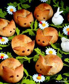 Smaczna Pyza: Wielkanoc Bagel, Muffin, Sweets, Bread, Breakfast, Food, Easter Activities, Morning Coffee, Gummi Candy