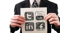 LinkedIn no es la única plataforma de redes sociales que te ayuda a encontrar trabajo. Twitter y Facebook también pueden crear  tus opciones de un empleo.