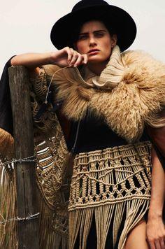 Isabeli Fontana Is Lady Gaucho By Cédric Buchet For Elle France August 2015 — Anne of Carversville Isabeli Fontana, Boho Chic, Macrame Dress, Diy Fashion, Womens Fashion, Vogue Uk, Le Far West, Gaucho, Margiela