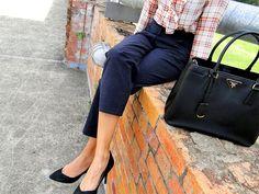 V's Style Chronicles: Brick Wall Fashion