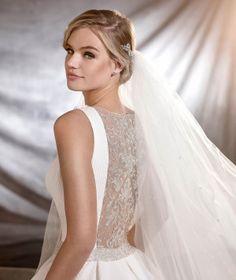 OLMEDO - Vestido de novia de inspiración clásica y estilo princesa
