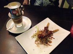 Yakitori Spieße und vietnamesischer Kaffee im Kamiko in Berlin. Lust Restaurants zu testen und Bewirtungskosten zurück erstatten lassen? https://www.testando.de/so-funktionierts