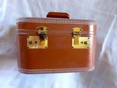 Vintage Leather Travel Train Case, Make Up Case, Overnighter,  Suit Case, Luggage