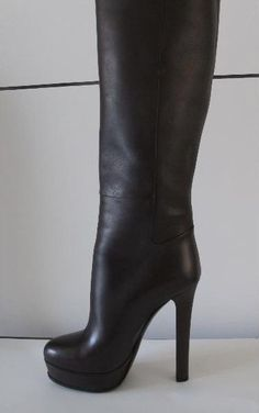 Tip: Gucci Boots (Black) Thigh High Boots Heels, Heeled Boots, Bootie Boots, Sexy Boots, Black Boots, Gucci Boots, Leather Boots, Outfit, Pumps